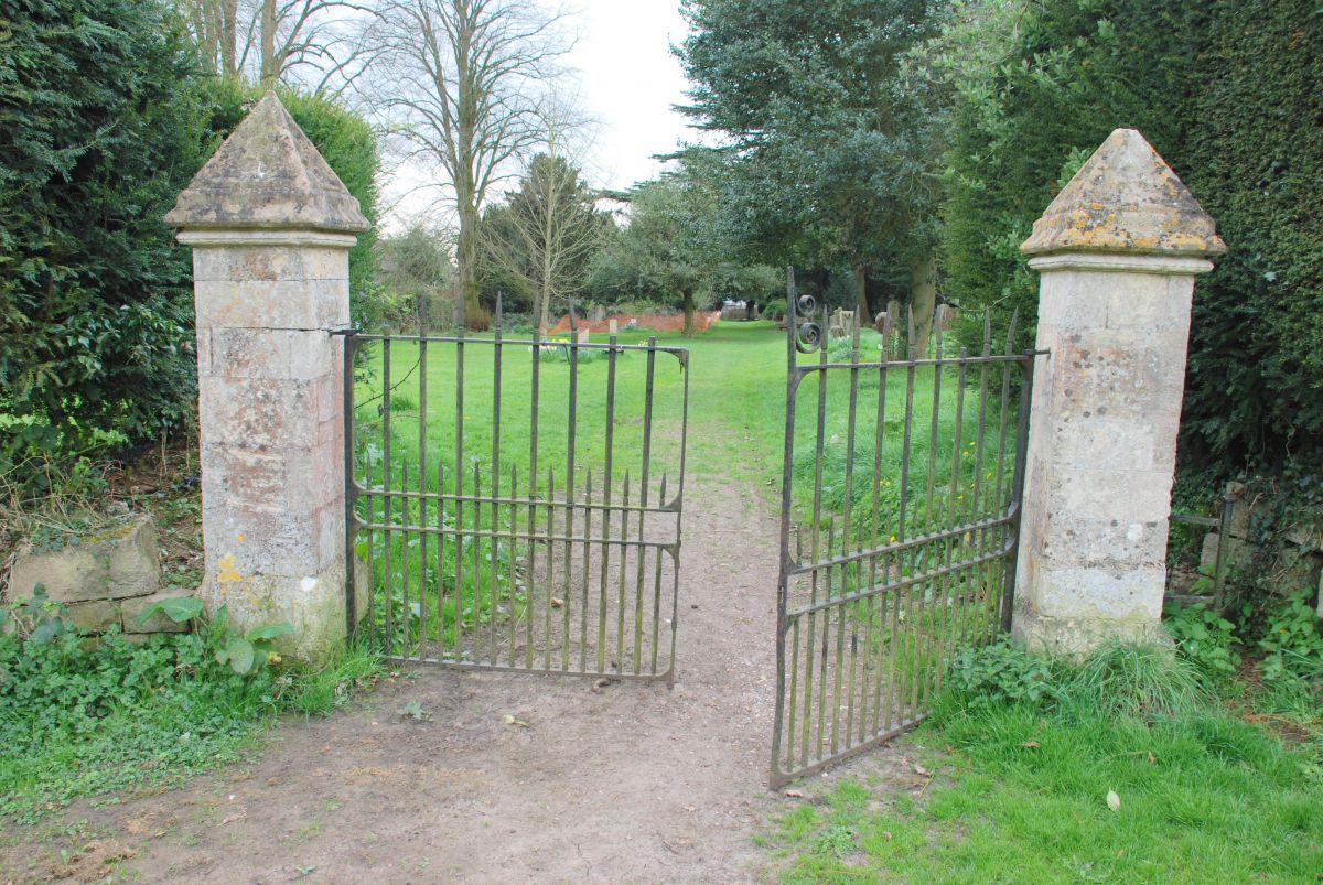 Old-Cemetery-gates-4r